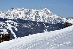 L'hiver dans Zell AM voient la station de sports d'hiver, Alpes autrichiens Photographie stock libre de droits