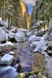 l'hiver de fleuve d'horizontal Photos libres de droits
