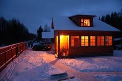 l'hiver de maison de campagne Photo libre de droits
