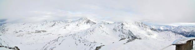 l'hiver de panorama d'alpes Images libres de droits
