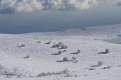 L'hiver en montagnes Photos libres de droits