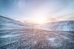 L'hiver flancs de coteau couverts de neige image libre de droits