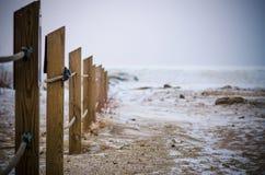 l'hiver nuageux de temps de littoral de plage Photos stock