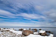 l'hiver nuageux de temps de littoral de plage Photo stock