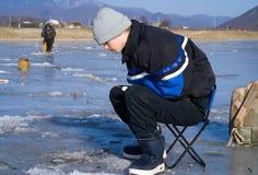 L'hiver pêchant 47 Image libre de droits