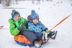 l'hiver sledding de temps Images stock