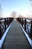 L'hiver sur une passerelle photographie stock libre de droits