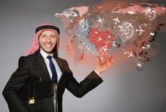 L'homme arabe dans le concept de voyage du monde Photos libres de droits