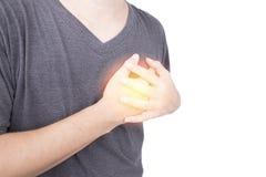 L'homme asiatique avec tenir son coffre en douleur a la souffrance de à entendre photo stock