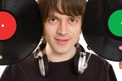 L'homme avec écouteurs et disque vinylic. Images libres de droits