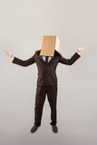 L'homme d'affaires anonyme tenant le sien distribue photos libres de droits