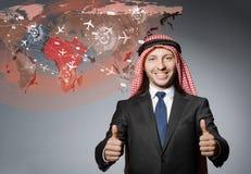 L'homme d'affaires arabe dans le concept de transports aériens Photos libres de droits