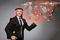 L'homme d'affaires arabe dans le concept de transports aériens Images libres de droits