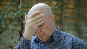 L'homme d'affaires contrarié et déçu Make Nervous Hand fait des gestes image libre de droits
