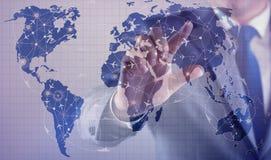 L'homme d'affaires dans le concept de transport du monde Photos libres de droits