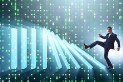 L'homme d'affaires dans le concept d'affaires d'effet de domino Image libre de droits
