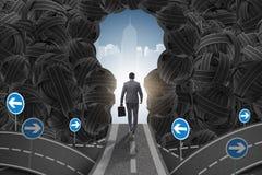 L'homme d'affaires marchant vers son concept de but d'ambition Images libres de droits