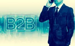 L'homme d'affaires réussi a dit par téléphone D'entreprise à entreprise Image libre de droits