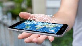 L'homme d'affaires tenant le téléphone portable avec la connexion internet 3D ren Photographie stock