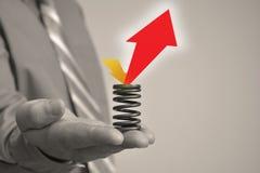 L'homme d'affaires tient le signe vide 2 Image stock