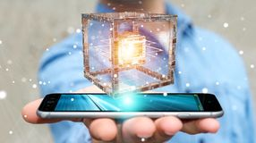 L'homme d'affaires utilisant le cube futuriste a donné au rendu une consistance rugueuse de l'objet 3D Photographie stock