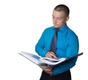 l'homme d'affaires vérifie les déclarations Image libre de droits