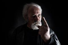 L'homme dangereux menace photos libres de droits