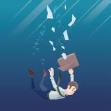 L'homme dans l'usage de bureau va vers le bas sous l'eau Image stock