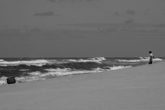 L'homme et la mer photo stock
