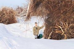 L'homme sur la neige Images libres de droits