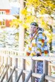 L'homme sur la station de vacances d'hiver Image libre de droits