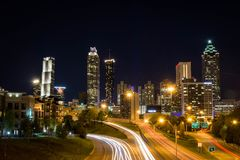 L'horizon d'Atlanta de Jackson Street Bridge, Atlanta, la Géorgie, Etats-Unis images libres de droits