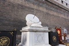L'horloge de la Chine antique image stock