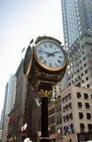 L'horloge sur Fifth Avenue à la tour d'atout Photo libre de droits