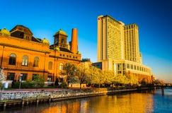 L'hotel di lungomare di Marriot ed il museo di lavori pubblici in porto E immagine stock