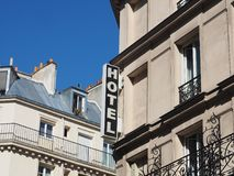 L'hotel esterno generico firma dentro Parigi Fotografie Stock