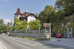 L'hotel Vila Istra vicino al lago ha sanguinato la riva, Slovenia Fotografie Stock