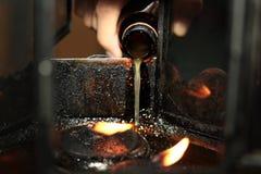 L'huile complètent une lampe pour s'allumer et pour l'usage dans l'encens Photos libres de droits