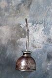 L'huile de vintage peut sur l'ardoise Photo libre de droits