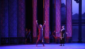L'hurlement d'employé-Le de l'acte d'abord des événements de drame-Shawan de danse du passé Photographie stock