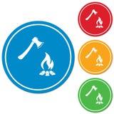 L'icona del fuoco di accampamento e dell'ascia Immagine Stock Libera da Diritti