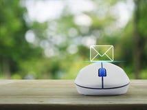 L'icona della posta, ci contatta concetto Fotografie Stock Libere da Diritti