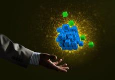 L'idée de nouvelles technologies et l'intégration ont présenté par le chiffre de cube Photographie stock