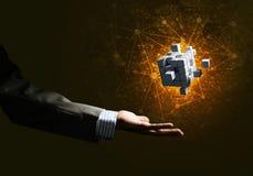 L'idée de nouvelles technologies et l'intégration ont présenté par le chiffre de cube Photos stock