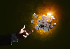 L'idée de nouvelles technologies et l'intégration ont présenté par le chiffre de cube Photos libres de droits