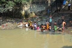 L'igiene indiana di pomeriggio in Kolkata Fotografia Stock Libera da Diritti