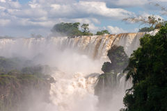 Les chutes d'Iguacu Photos stock