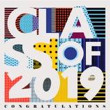 L'illustration colorée de typographie de vecteur de la classe de 2019 a conçu avec les modèles abstraits illustration de vecteur
