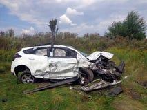 l'illustration de véhicule des accidents 3d a isolé le blanc rendu Voiture cassée avec le pare-brise d'accident Photos libres de droits