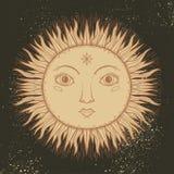L'illustration graphique beau Sun de croquis font face avec des symboles tirés par la main mystiques et occultes Illustration de  illustration de vecteur